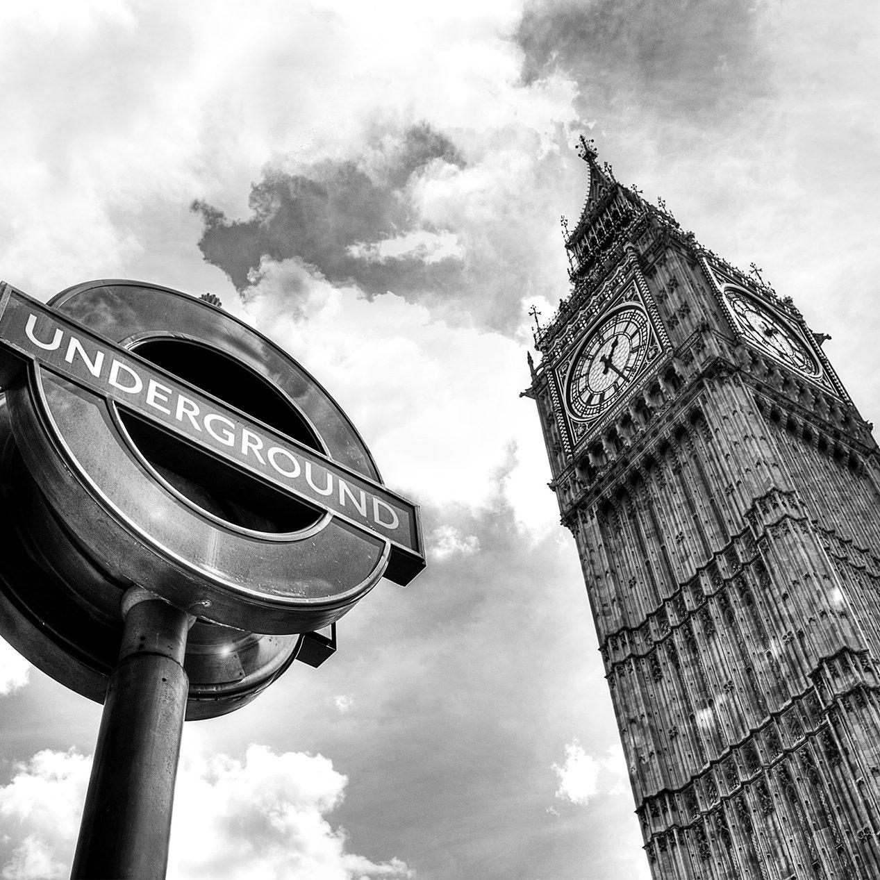 londres london big ben clock horloge westminster tour Royaume-Uni England Tamise great bell tower nikon d800 black and white noir et blanc photographie photography travel europe métro underground